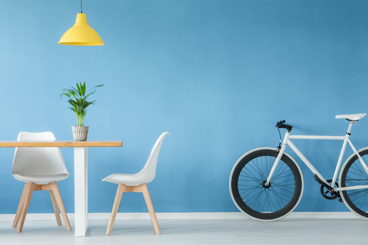 minimal-interior-with-furniture-P8X647W.jpg
